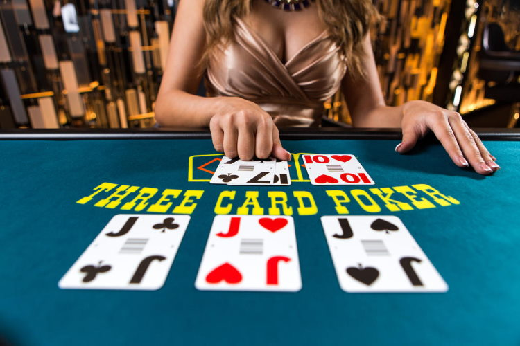 Three card poker online game with dealer